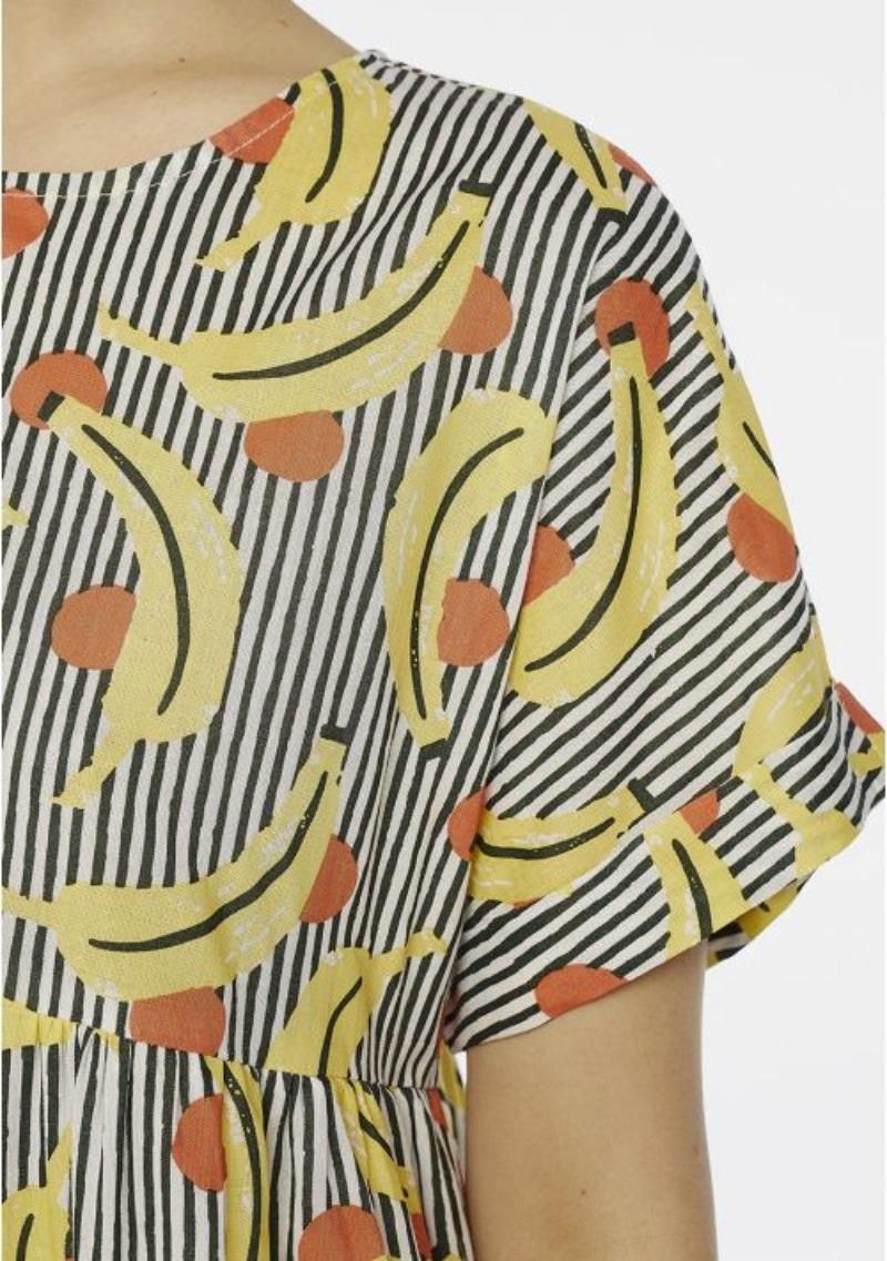 vestito-svasato-fantasia-banane-a-righe