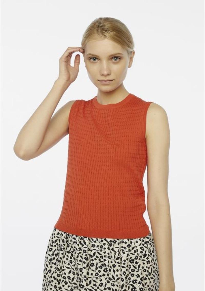 top-in-maglia-senza-maniche-rosso
